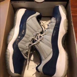 Shoes - Jordan retro 11 low